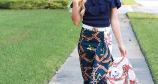 HOW TO WEAR FALL'S SCARF PRINT TREND - The Fashionable Accountant
