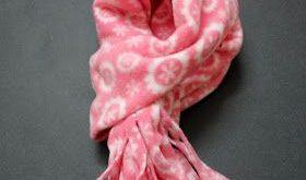 DIy fringed fleece scarf