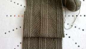 Ravelry: Simple Aran scarf pattern by Christine Roy